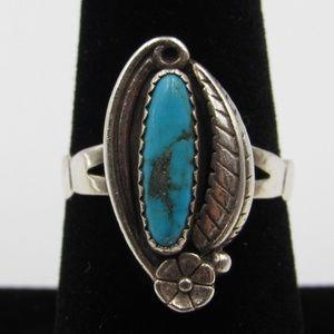 Vintage Size 8 Sterling Blue Stone Floral Ring